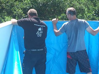 Pool foliensack einh ngen und an skimmer und einlaufd sen for Poolfolie montieren