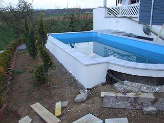 Ein Weiterer Abschnitt Ist Getan, Der Pool Ist Nun Als Solcher Fertig, Nun  Geht Es Mit Der Außenanlage Weiter.